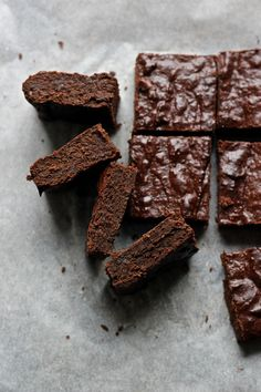 dark chocolate brownies with medjool dates (gf)