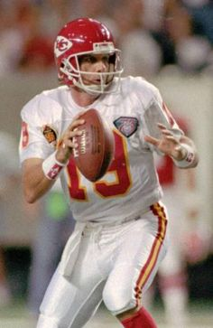 Joe Montana retired from the 49ers on April 18, 1995