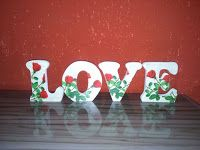"Artesanatos Munck: Palavra ""LOVE"" Rosas Vermelhas"