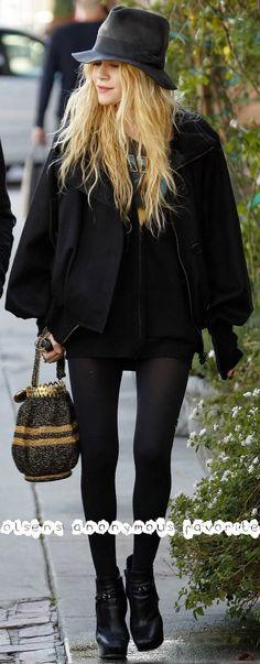 Classic Mary-Kate Olsen boho chic look. #style #fashion #olsentwins