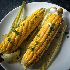 Kuchnia raz! : Kukurydza na parze z solonym masłem i pietruszką