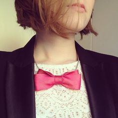 DIY bow tie necklace. Cool look for Valentine's Day! On my blog now! Planb. annaevers. com