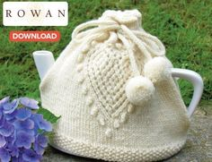 Love Tea Cosy free pattern ♥ 4000 FREE patterns to knit ♥… Tea Cosy Knitting Pattern, Tea Cosy Pattern, Knitting Patterns Free, Knit Patterns, Free Knitting, Free Pattern, Finger Knitting, Stitch Patterns, Knitting Projects