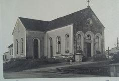 A Catedral de Joinville em 1950. Ela foi derrubada para a construção da catedral atual. 1950, Taj Mahal, Building, Painting, World Cup, Santa Catarina, Brazil, Buildings, Painting Art