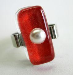 Vidro vermelho  pérola  base metal - n 20  2,0 x 0,5 cm    MAIS ANÉIS DE VIDRO EM:   http://www.elo7.com.br/glassbijoux/ R$25,00