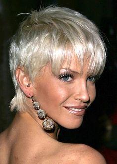 -Short Hairstyles for Older Women