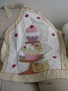 Bird Applique, Applique Quilts, Watercolor Quilt, Pinafore Apron, Sewing To Sell, Shabby Fabrics, Sewing Aprons, Apron Designs, Aprons Vintage