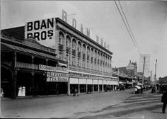025582PD: Wellington Street, Perth looking west showing the Rechabite Coffee Palace, Alexandra Tea Rooms and Boans, 15 March 1911 https://encore.slwa.wa.gov.au/iii/encore/record/C__Rb3416428