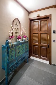 15 Indian Main Door Designs That Make a Great First Impression Pooja Room Door Design, Door Design Interior, Foyer Design, Entrance Design, Indian Home Interior, Indian Interiors, Home Decor Ideas, Home Decor Furniture, Funky Furniture