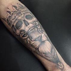 Ao misturar diferentes técnicas, o mineiro Gustavo Abreu cria fantásticas tattoos autorais em blackwork