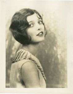 Loretta Young 1927 - I wonder if I could get away with wearing my hair like this...