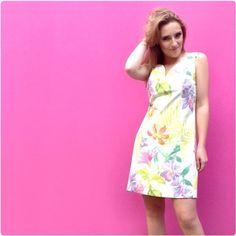 A nossa primavera é toda estampada  das cores e flores mais belas!!  #atelier #lançamento #primavera #coleçãonova #flores #tropical #vestidotubinho #tubinho #decoteprincesa   http://luizapannunzio.tanlup.com/ maquiagem por Maquiagem Adriana Galindo