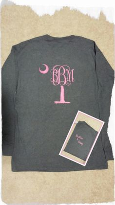 Southern & Sassy describes this shirt perfectly!  Our monogram palmetto  tree and moon are the perfect pairing for not only South Carolina gals, but all coastal lovin' folks!  Size S-XL  When checking out, please include shirt color, size, personalization color, and monogram in first, LAST,...