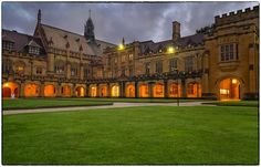 The University of Sydney has old-age charm.