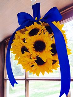 Sunflower Weddings Sunflower Kissing Ball Sunflower Wedding by SilkFlowersByJean Sunflower Room, Sunflower Party, Sunflower Baby Showers, Sunflower Bouquets, Sunflower Weddings, Blue Sunflower Wedding, Sunflower Wedding Decorations, Sunflower Centerpieces, Sunflower Colors