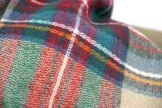 http://www.pashminacachemire.com/tartan/1329-tartan-laine-carreau.html  - tartan scottish scaf men and woman  - tartan scottish scaf men and woman - Écharpe tartan en laine Beige ç carreaux écossais des clans écossais. Écharpe homme et femme de chez Pashmina cachemire
