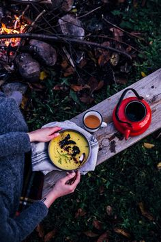 butternut squash-sunroot soup with red kale chips & a cozy campfire