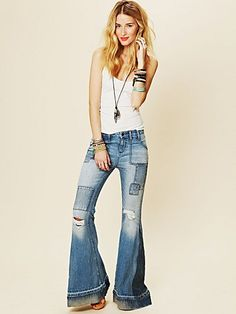 Festy Super Flare Jeans [by Free People] Hippie Style, Bohemian Style, My Style, Boho Chic, Denim Jeans, Skinny Jeans, Super Flare Jeans, Lady, Destroyed Jeans