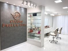 Nail Salon Design, Nail Salon Decor, Hair Salon Interior, Beauty Salon Decor, Salon Interior Design, Beauty Salon Design, Beauty Studio, Makeup Studio Decor, Esthetics Room