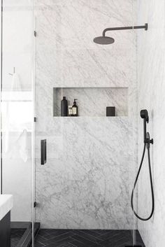 This Affordable Modern Home Design Is a Black and White Dream An Affordable Black and White and Modern Home Decor Renovation: Marble Shower - Marble Bathroom Dreams Interior Design Minimalist, Modern House Design, Modern Home Interior Design, Modern Decor, Bathroom Renos, Bathroom Interior, Bathroom Marble, Design Bathroom, Bathroom Black