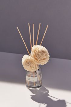 New Home + Apartment Essentials Diffuser Diy, Reed Diffuser Oil, Diffuser Sticks, Candle Diffuser, Homemade Candles, Scented Candles, Sola Wood Flowers, Home Scents, Perfume