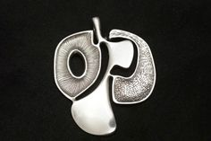 Bjørn Sigurd Østern for Per Killingmo (NO), modernist sterling silver and oxidised silver vintage pendant, 1960s. #norway | finlandjewelry.com
