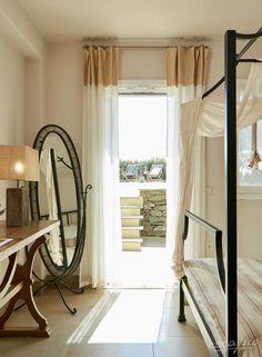 Schöner wohnen im 4* Hotel Diles & Rinies in Tinos, Griechenland.