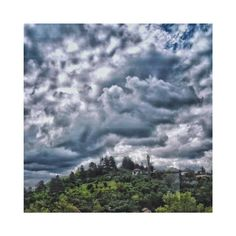 The sky never gets boring.  #sky  #photography  #houses  #nature  #landscape  #clouds  #travel  #bulgaria  #balkan  #europe  #trees  #forest  #art  #quote http://tipsrazzi.com/ipost/1508535476638049237/?code=BTvZQYAFePV