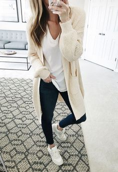 cute fall outfits for Women. I always feel weird mixing shades of whites.this looks nice though cute fall outfits for Women. I always feel weird mixing shades of whites.this looks nice though Cute Fall Outfits, Fall Winter Outfits, Autumn Winter Fashion, Summer Outfits For Moms, Casual Outfits For Moms, Fall Fashion, Mom Fashion, Autumn Outfits Women, Outfits For Women