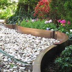 Genial Cheap, Creative And Modern Garden Edging Ideas For Flowers Beds And Slopes  From Timber, Wood, Stone, Curved Or DIY Lawn Edging Ideas For Vegetables.