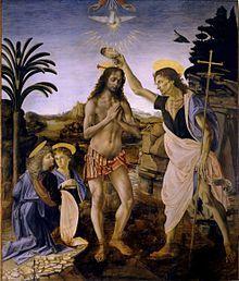 Leonardo Da Vinci. Schilderij toont Jezus in lendedoek in een beek door een landschap met rotsen. Rechts giet Johannes de Doper, herkenbaar aan het kruis dat hij draagt, water over Jezus' hoofd. Links knielen twee engelen. Boven Jezus de handen van God en een neerdalende duif.