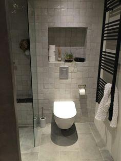 Cle Zellige Tile w/ larger format flooring tile Bathroom Trends, Bathroom Renovations, Big Tub, Charleston Homes, Dream Bath, Bathroom Toilets, Bathroom Design Small, Bathroom Inspiration, Home Deco