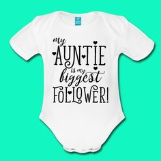 Cute Baby Onesies, Baby Girl Shirts, Boy Onesie, Funny Onesies For Babies, Funny Babies, Baby Bodysuit, Baby Boy, Auntie Baby Clothes, Baby Sayings