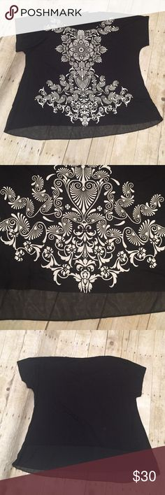 Black patterned lace at bottom 2x NWT top Black patterned NWT lace at bottom top size 2x 26 inches across bust can stretch.  26 inches length Tops Tees - Short Sleeve