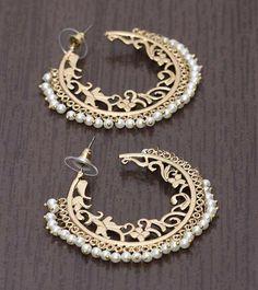 Bridal Jewelry Icing On The Cake Indian Jewelry Earrings, Indian Jewelry Sets, Fancy Jewellery, Jewelry Design Earrings, Stylish Jewelry, India Jewelry, Wedding Jewelry, Jewelry Accessories, Fashion Jewelry