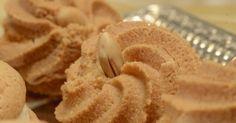 Ονειρεμένα αμυγδαλωτά, πανεύκολα με γεύση και υφή που δεν αντιστέκεται κανείς. Greek Sweets, Greek Desserts, Party Desserts, Cookie Desserts, Greek Recipes, Cookie Recipes, Greek Cookies, Almond Cookies, Cypriot Food