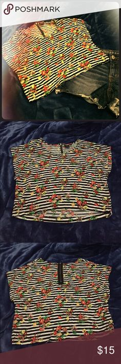 XS Material Girl Floral Crop Top This is a super cute Material Girl crop top. The tag says XS but there is some leeway, and a small or medium person would most likely fit in this with no problem! No rips or stains, ready to be loved again! Material Girl Tops Crop Tops