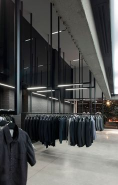 Image 5 of 17 from gallery of Boutique Michel Brisson / Saucier + Perrotte architectes. Photograph by Marc Cramer Clothing Store Interior, Clothing Store Design, Boutique Interior, Window Display Retail, Retail Displays, Shop Displays, Merchandising Displays, Window Displays, Showroom Design
