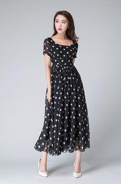 Polka dot dress black and white dress empire waist dress Short Summer Dresses, Short Sleeve Dresses, Dresses With Sleeves, Short Sleeves, Dress Summer, Dot Dress, Dress Skirt, Pleated Skirt, Outfit Vestido Negro