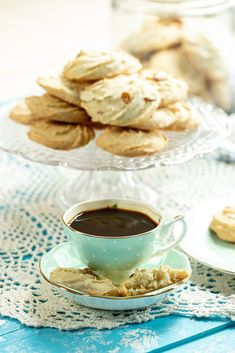 Almond Recipes, Gluten Free Recipes, Chocolate Decorations, Almond Cookies, Sliced Almonds, Melting Chocolate, Greek, Meals, Baking