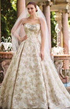 Novias Otilio Santiago te trae todo lo innovador en moda nupcial. Puro glamour !!! Ivory/ Gold  Coordina tu cita hoy (787)784-0936 #noviasotiliosantiago