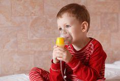 Seu filho está resfriado? Saiba quais os alimentos que favorecem a produção de muco e os que ajudam a eliminar o muco.