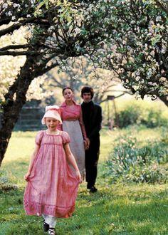 Edie Martin (Toots), Abbie Cornish (Fanny Brawne) & Ben Whishaw (John Keats) - Bright Star (2009) #johnkeats #janecampion #fannybrawne