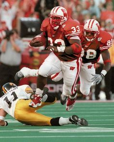 #33 Ron Dayne, Wisconsin Badgers, 1999 Heisman Trophy winner and College Football Hall of Fame member.