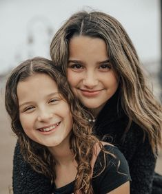 Julianna Grace Leblanc, Hayley Leblanc, Annie Grace, Annie Lablanc, Teen Celebrities, Celebs, Caleb Bratayley, Annie Leblanc Outfits, Parejas Goals Tumblr