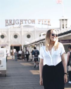 Only 2 more days until I'm back in the air searching for new and interesting ✈️ #brightonpier #exchangesemester #culottepants #summerineurope #samsoesamsoe #montrealbound