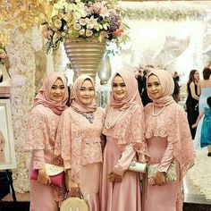 Inspired from @syanissya -  Nadya's Bridesmaids  http://gelinshop.com/ipost/1519486165412298196/?code=BUWTJ3qhT3U