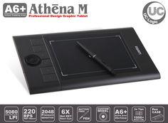 """Yıllardır grafikerlerin, çizerlerin ve tasarımcıların uygun fiyat ile kaliteli bir grafik tablete ulaşmalarını amaçlayan UC-Logic, yeni nesil Athena M tableti hazırladı. 8"""" x 5"""" aktif alanında inç başına 5080 satır çözünürlük ve saniyede 220 raporlama hızı ile gerçek profesyonellerin çizimlerini ekrana anında ve kusursuz taşıyacak. Yeni nesil pilsiz ve dengeli tasarıma sahip uzun ömürlü kalemi ve yedek uçları ile en iyi çizimleriniz için Athena M A6+ tablet size yeter."""