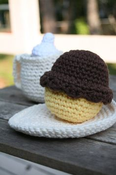 no guilt coffee break with cupcake (crocheted food play set)