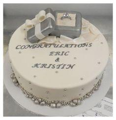 Engagement Cake Decorations, Engagement Cake Design, Engagement Cakes, Engagement Parties, Engagement Ideas, Family Cake, Ring Cake, Bridal Shower Cakes, Cake Boss